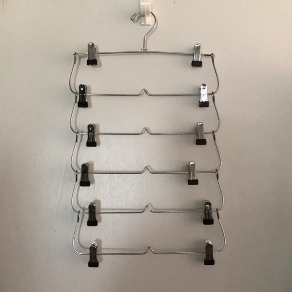 Other - Six Tier Skirt Pants ClothesOrganizer Clip Hangers